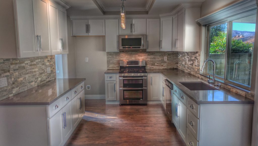 2179 Saint Clair - Kitchen