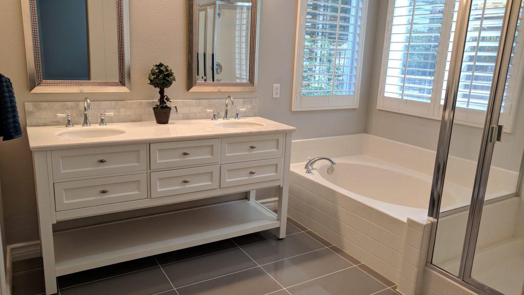 3490 Pine View - Remodeled Master Bathroom