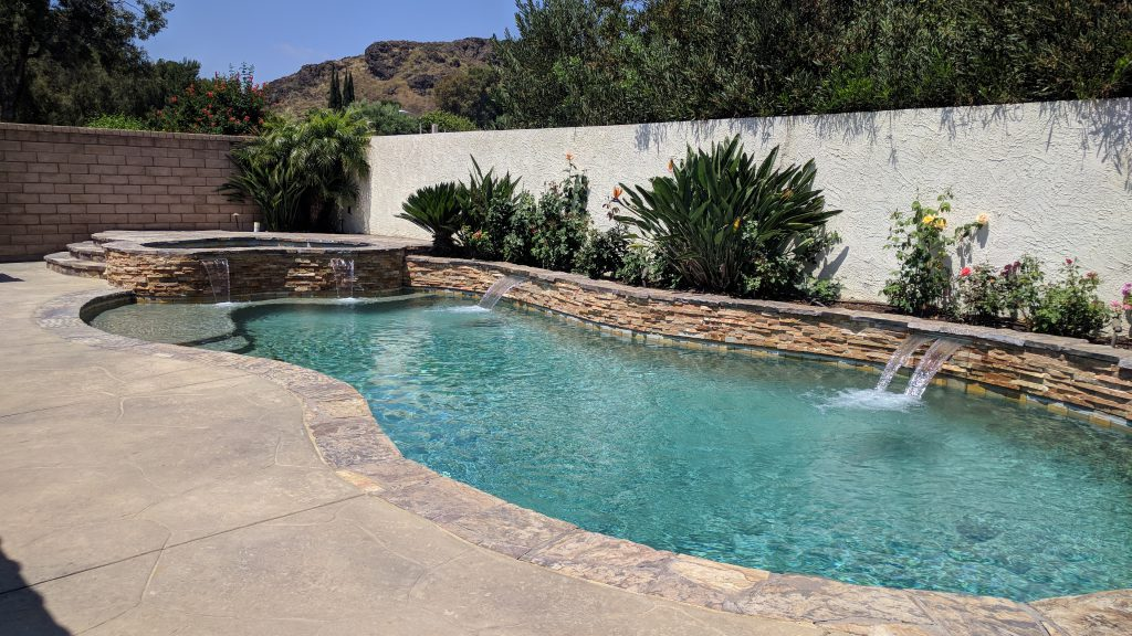 711 Bluebonnet Ct in Thousand Oaks - Private pool, waterfalls and mountain view