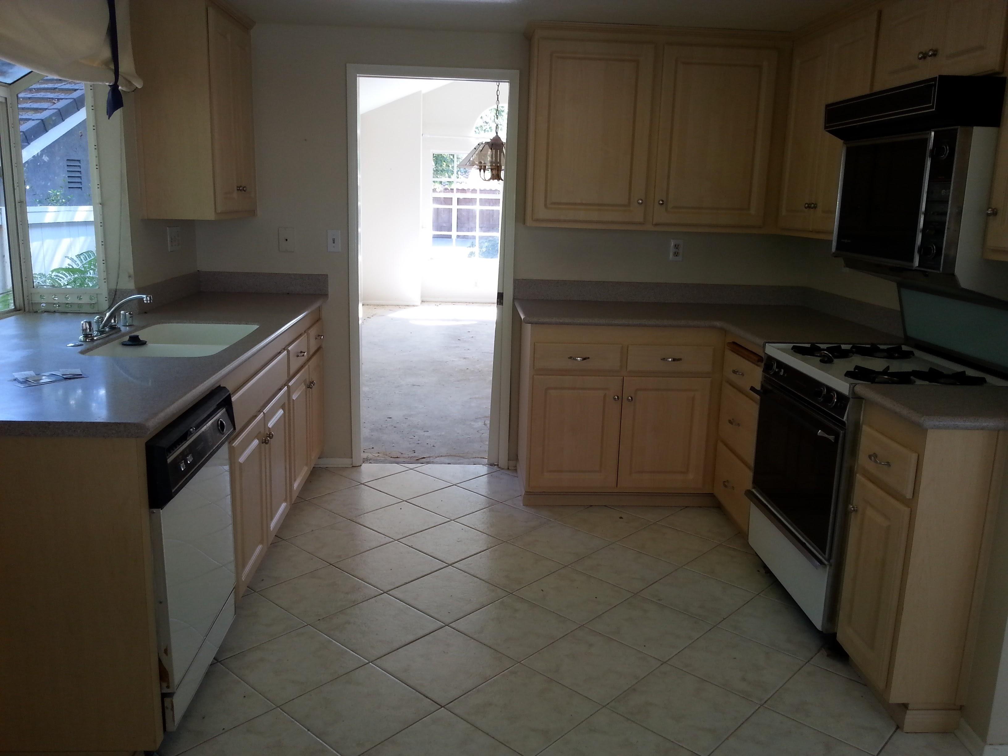 Rikkard kitchen before